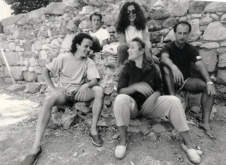 Μπροστά: Λευτέρης Μενντζέλος, Ράνια ΚαπόνΠίσω: Συμεών Τελλόπουλοε, Βάσω Ρούσσου, Κων/νος Θεμελής